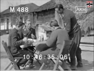 Эрих Хартманн и другие пилоты обедают
