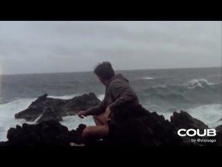 хочу глядеть на море..🌊 хочу людей любить..🖤