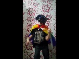 Кому то пришел флаг и он радуется))).mp4