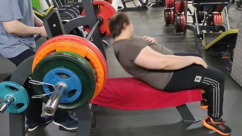 маракаси 155 кг жим лежа