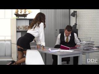 Susy Gala [HD Porn Teen Sex Blowjob Stockings In the office Порно Секс Сделала минет в офисе Отсосала Колготки Секретарша]