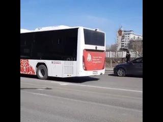 В Перми 13 апреля на пересечении улиц Монастырская и Попова сбили пешехода