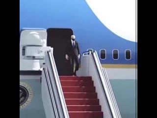 Байден выходит из самолёта. Опять упал... Прикол!.mp4