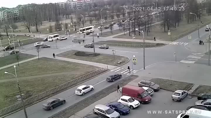В Пушкине автомобиль не уступил другому на перекрестке Генерала Хазова и Петербургского шоссе