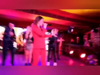 Певица Акула - Оксана Почепа и я на концерте в Максимиллиансе.