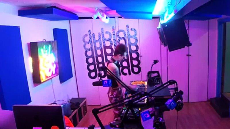 Radio T 09 LIVE till Midnight w Bored Lord aka Daria Lourd and Aura T 09