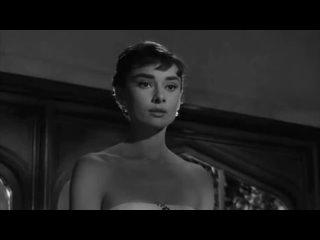 Песня «Moon River» исполненная Одри Хепбёрн в фильме «Завтрак у Тиффани».