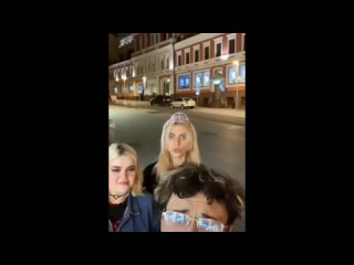[Katya Mills] Влад Семёнов и Алёна Шметерова в гей клубе 🤭