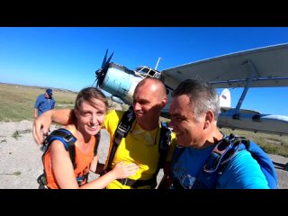 Первый прыжок Михаил с парашютом