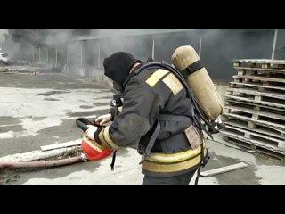 Пожар на складе в Екатеринбурге