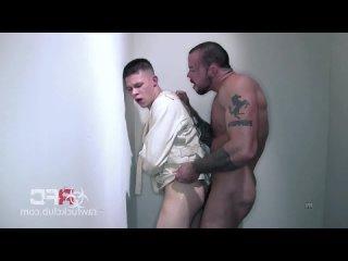 би порно санитар изнасиловал мальчика гей