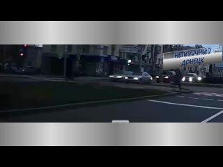 Видео с регистратора автомобиля, ДТП в Донецке на пересечение артема и Ватутина. Нетипичный Донецк