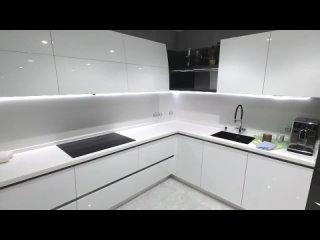 Современная кухня, белый глянец. Столешница из акрила, искусственный камень. Фур