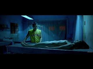 Парень трахает в морге труп молодой девушки (ебет мертвую, кончил внутрь, сперма вытекает из пизды)