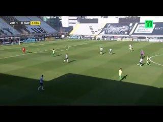 В португальской Сегунде Варзим на своем поле принимал клуб Мафра.  Вратарь Варзима Рикарду Нунеш забил невероятный гол.