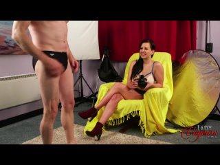 CFNM, lvs grower not shower, секси ножки, стройная девушка, в коротком платье, дрочат парню, кончает, короткая юбка, каблуки