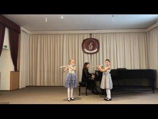 Игнатова Катя,Кутузова Ксюша, преподаватель Ермакова Г.Н.,концертмейстер Игнатова Е.Г.