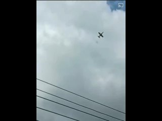 """Небольшие самолеты К-8 (""""Каракорум"""") Венесуэлы выцеливают бандитов в джунглях (март/апрель 2021) :"""