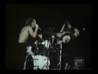 """Metallica - Lars' """"Fuck you"""" song (Live @ East Rutherford 1992)"""