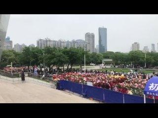 Все эти цветы для Сяо Чжаня~