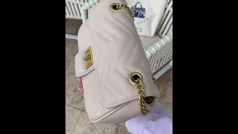 Увидев эту сумочку я подумала что она из натуральной кожи😍😅 Она невероятная От дизайна до качества Эко кожа полностью имит