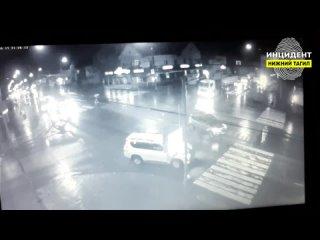Сбили девушку на пешеходном переходе