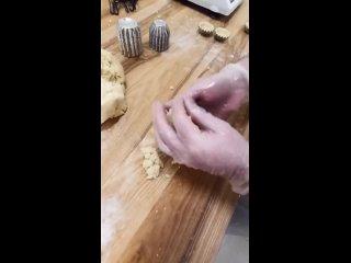 Пирожное Корзиночка с вареной сгущёнкой