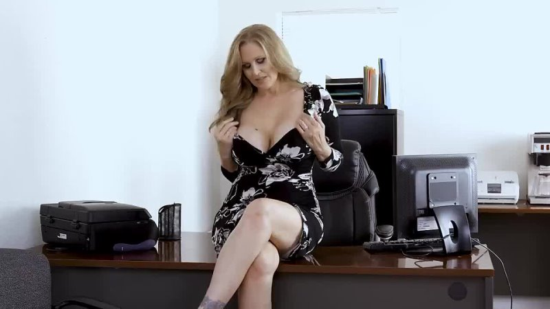 Sexy your mom Julia Ann