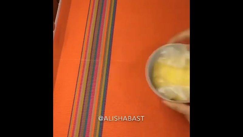СЫРНЫЙ РУЛЕТ✅ Сыр 300 г✅ Индейка в к 200 г✅ Огурец 1 большойПриготовление 📝 Сыр кладём в пакет и ставим в микроволновку на
