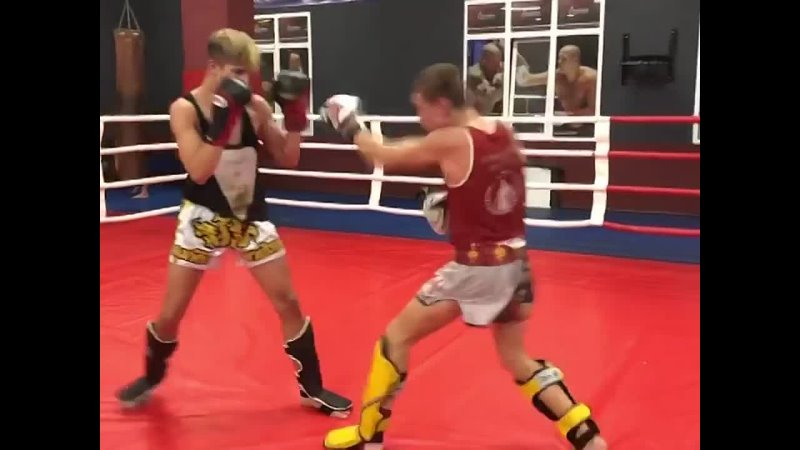 Тайский бокс 🥊 произошёл от древнего боевого искусства Таиланда Муай Борман в переводе значит поединок свободных В совреме
