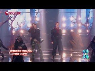 "justin huang & zhou yixuan // variety show ""youth and melody"" - song: 王子的新衣"