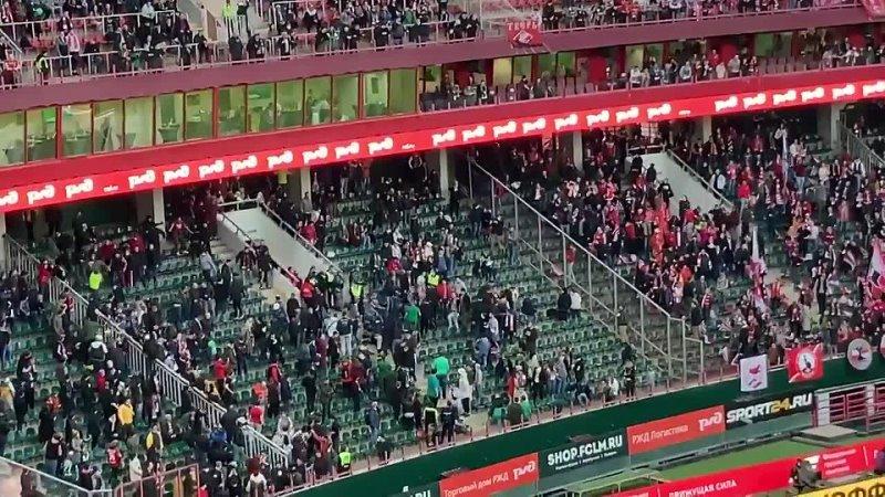 Сектантские клоуны на матче Локомотив Спартак 25 тур 11 04 2021