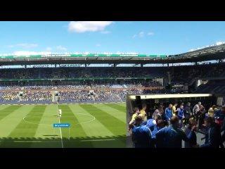Речь из раздевалки транслируют по стадиону