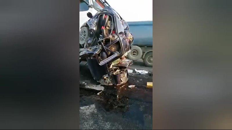 15 04 21 Страшная авария в Волгоградской области MP4