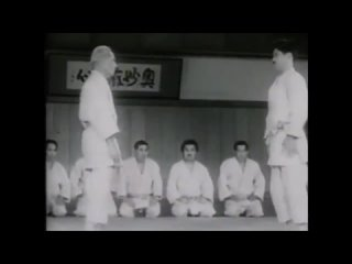 Атэми вадза в дзю-до старой школы Кодокан 当身技 あてみわざ