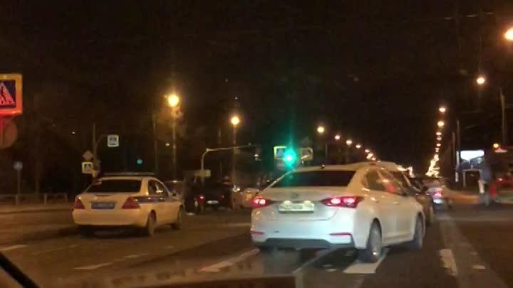Делимобиль, Лансер и пятнашка попали в ДТП на Пискаревском