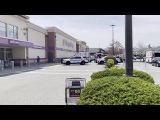 Один человек убит, двое ранены в результате стрельбы в супермаркете в Нью-Йорке. Преступника пока не поймали.