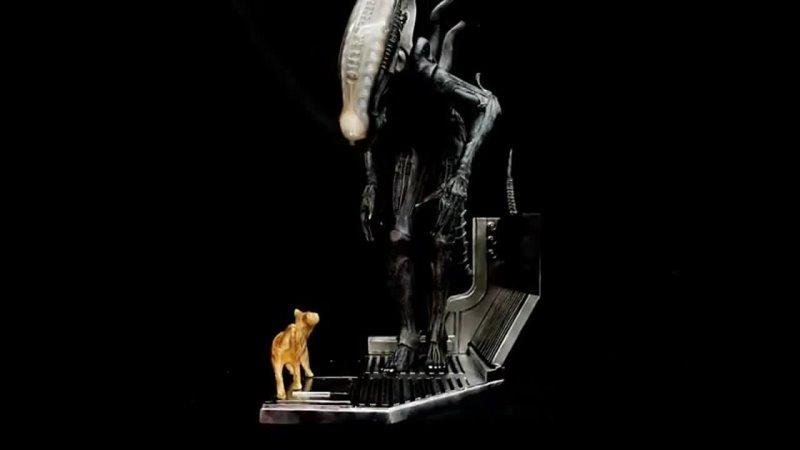 H R Giger Big Chap Alien and Jonesy 1 4 Diorama Art Statue