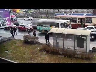 Мотоциклист пошел на падение в Выборгском районе