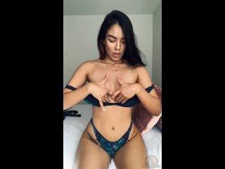 Она любит показывать свои милые сиськи  Самые горячиe девочки порно секс минет сиськи жопа молодая дрочит пизду