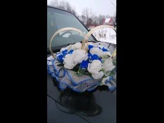 Пышные кольца с белыми и синими розами 🤍💙