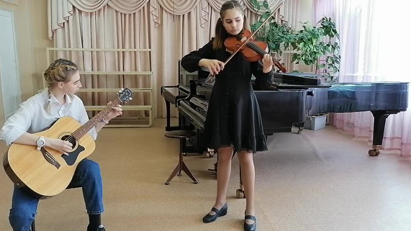 сёстры Дарья и Варвара в музыкальной школе