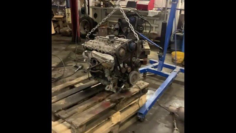 Техцентр Volvo Degrimotors К нам обратился постоянный клиент с сильнейшим стуком в двигателе Мотор нужно было менять так ка