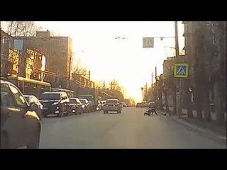 Момент наезда на пешехода на ул. Майская (Ижевск)