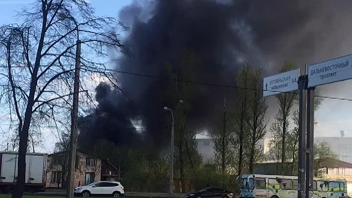 13 мая в 17:48 на телефон мчс поступило сообщение о пожаре по адресу: Дальневосточный пр,, дом 73. ...