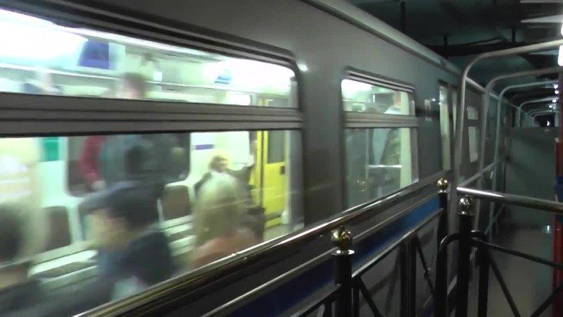 Прибытие метропоезда 81-740.4К «Русич» 2
