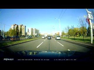 На видео попало ДТП с участием мотоцикла на ул. Притыцкого