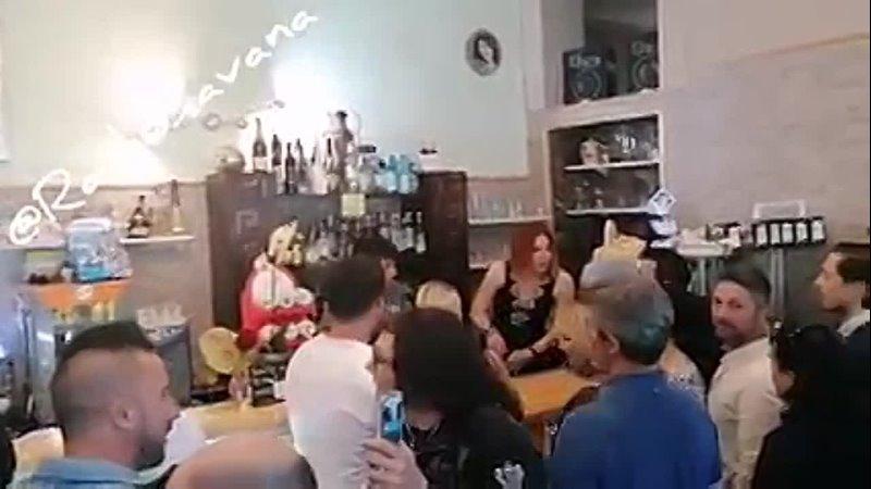 Италия. Хозяйка кафе Розанна, получила более 100 штрафов, за нарушение карантинных ограничений