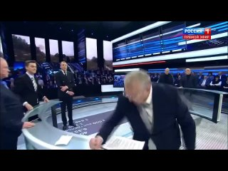 Не указывай !!! (на) (для) случай важных переговоров !!! (Владимир Жириновский)!!!