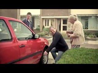 Когда на Авито машину продаёт бабуля